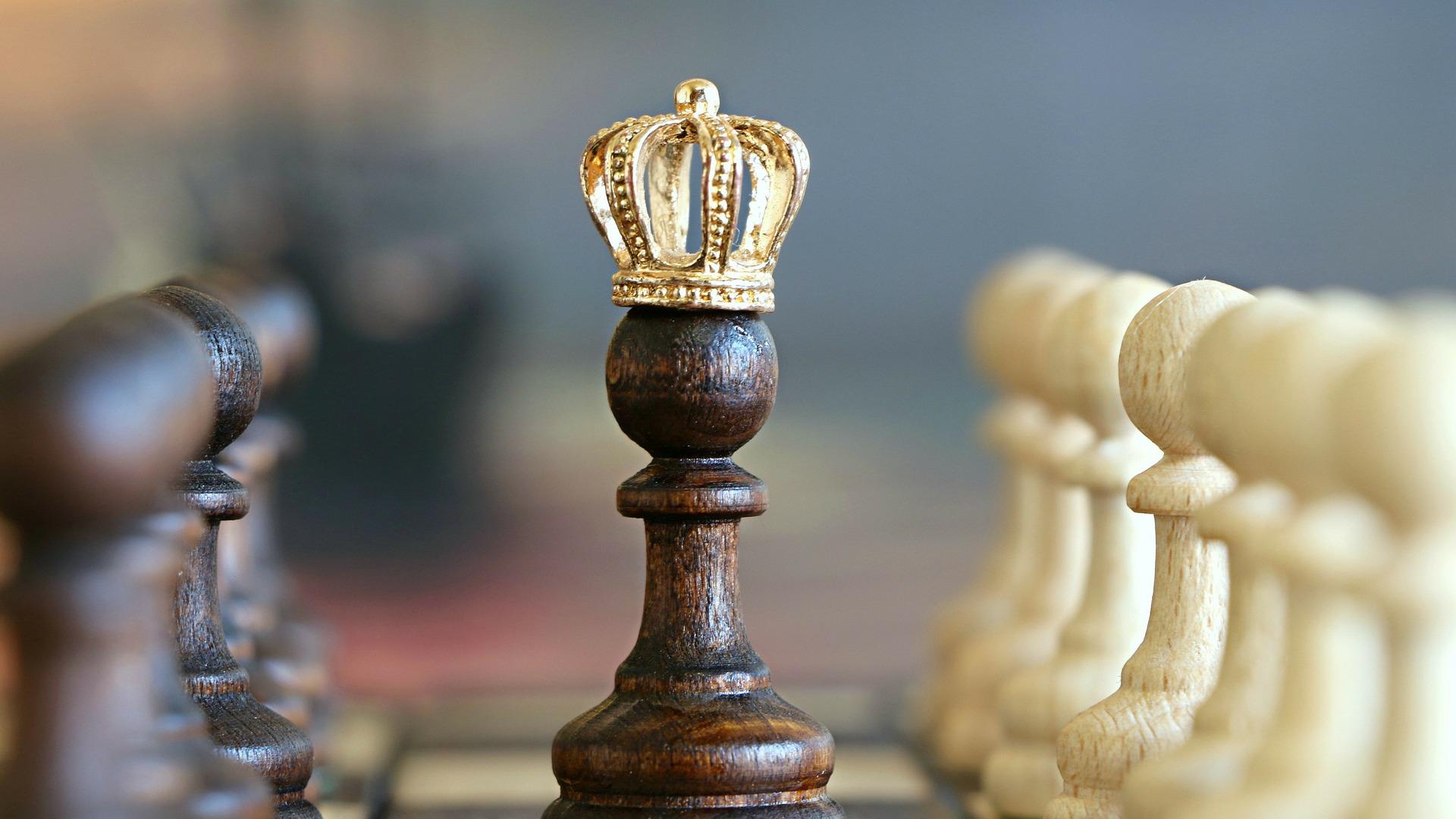 Koronás demokráciák. A monarchiák tanulóképessége Európában III.